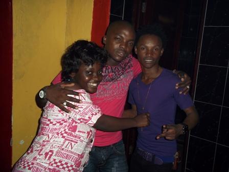 Pipi_Barnaba_na_mwenzao