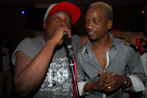 Dully na TID wakifanya mbambo yao
