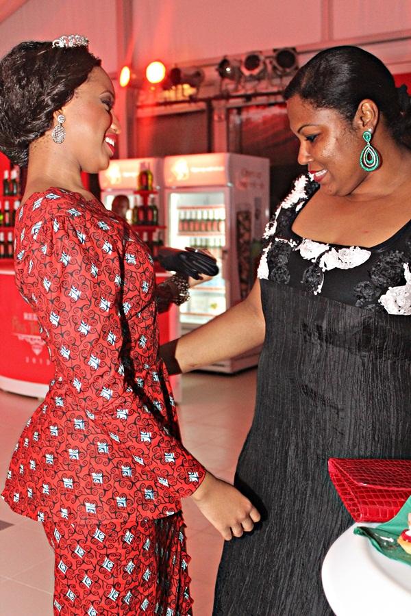 Khadija Mwanamboka akiliangalia kwa makini gauni la Brigitte
