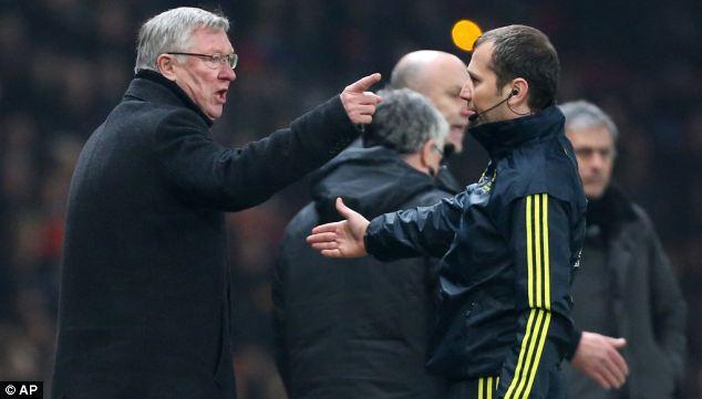 Alex Ferguson akilalamika baada ya Nani kupewa kadi nyekundu