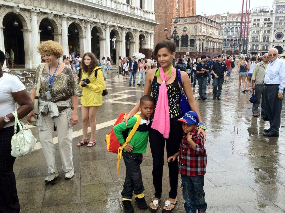Daniela-with-kid-Abba-alfa-and-alba
