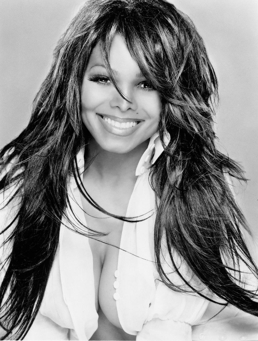 Janet-Jackson-900x1188-196kb-media-402-media-152295-1251556524