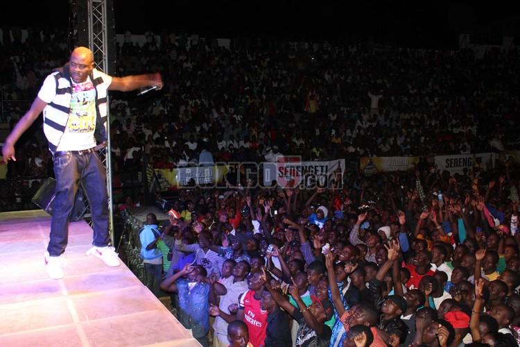 Baba levo  ndani ya Serengeti fiesta 2013 Tabora.