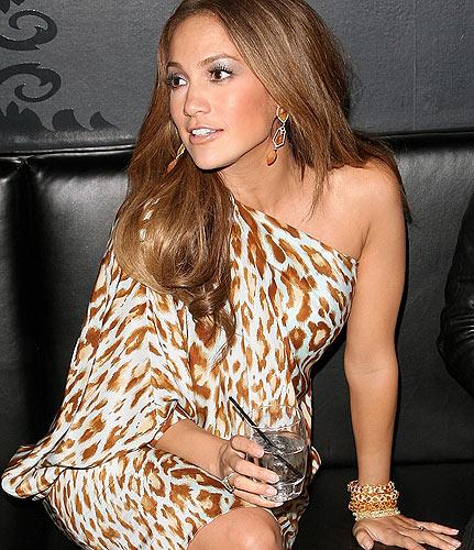 Photo of Jennifer Lopez asaini dili ya kuwa jaji wa American Idol kwa $17.5 Million