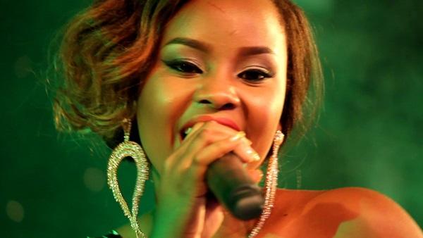 Photo of Video: Lulu akiimba live na bendi wimbo wa Lady Jaydee 'Yahaya'