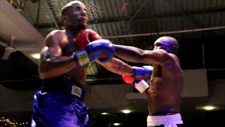 Photo of Undisputed: Francis Cheka amtwanga Mmarekani Phil Williams (video)