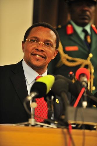 Photo of Video: Hotuba ya Rais Kikwete kwenye mazishi ya Mandela