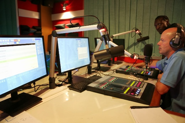 FRED-E-FM-RADIO-IN-DAR