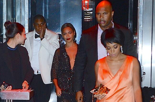 Photo of Video: Jay Z apigwa na shemeji yake ndani ya lifti!!