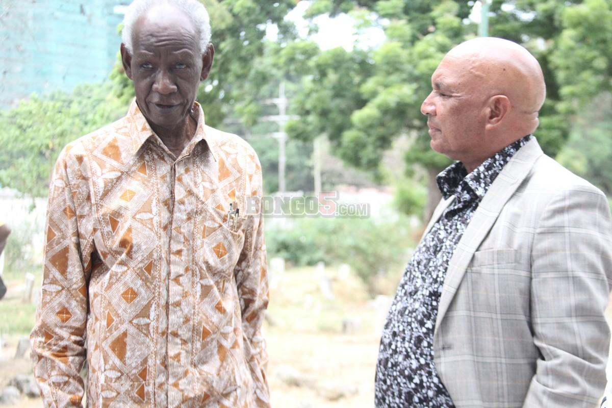 Mzee wa Warioba akizungumza na Saidi Mack Sadiki (2)