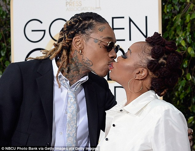 wiz na mama kiss