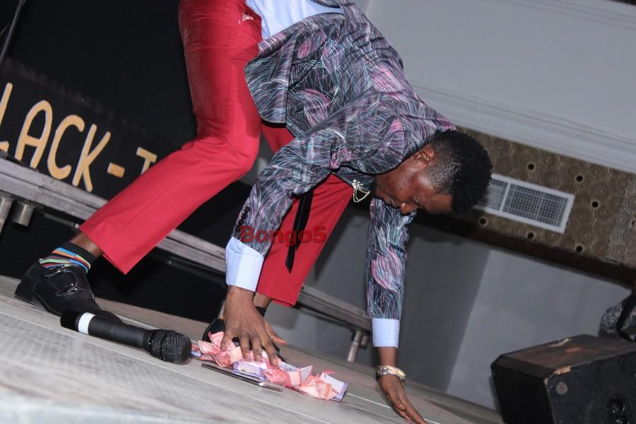 Bella akikusanya mshiko kwanza