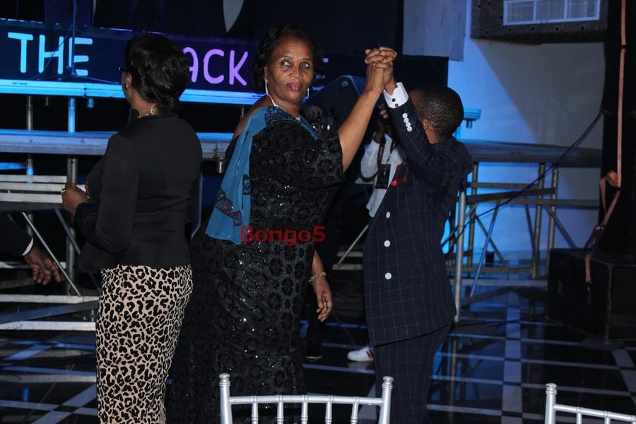 Steve Nyerere na Mama Wema we acha tu