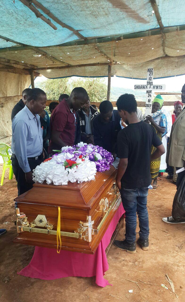 Photo of Picha: Baba mzazi wa Pam D azikwa Njombe