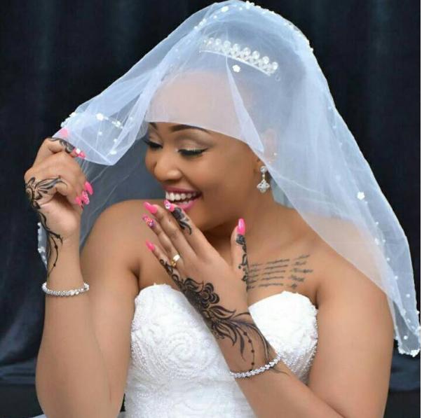 Photo of Irene Uwoya atamba kuishi kistaa 'Bila tsh milioni 1 ya matumizi sitoki nyumbani' (Video)