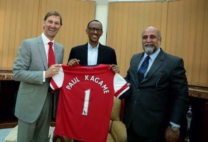 Rais Paul Kagame amkingia kifua mzee Wenger na kuwajia juu wamiliki wa klabu ya Arsenal