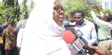 Photo of Mh. Hawa Ghasia, Mtulia, Chengeni waeleza walivyomfahamu Mbunge Maji Marefu (+video)