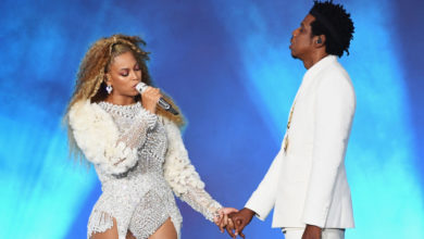 Photo of Beyonce and Jay Z presented the Key to the city of Columbia