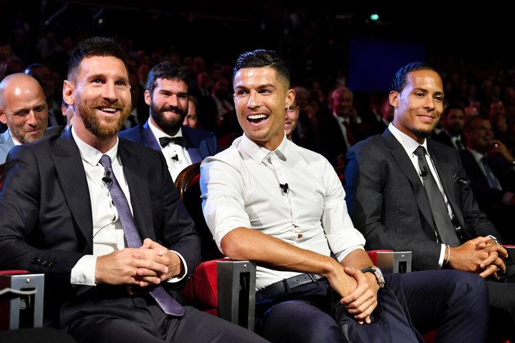"Ronaldo amualika Messi chakula cha usiku Dinner "" Hatujawahi"