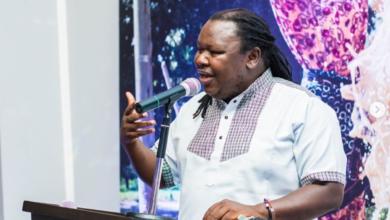 Photo of Mrisho Mpoto ni mgodi unaotembea, angalia maneno aliyompa Miriam Odemba (Video)