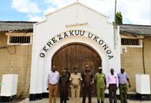 Photo of Wafungwa 293 waachiwa kutoka gereza la Ukonga, Keko na Segerea Dar (Picha)