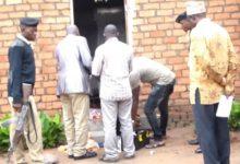 Photo of KATAVI: Mume na Mke wauawa kikatili kwa kukatwa mapanga baada ya kuvamiwa usiku, Dada asimulia ilivyokuwa – Video