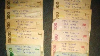 Photo of Wapambe wa Bobi Wine waonywa kupiga kampeni kwa kuandika na kuzichafua fedha za Uganda