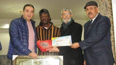 Photo of Simon Msuva ashinda tuzo ya mchezaji bora kwenye klabu yake ya Morocco, Aandika ujumbe mzito