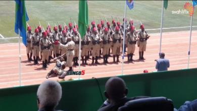 Photo of MapinduziDay: Vunja mbavu na Onesho la kikosi cha 'TARUBISHI' wakiwa na sare za askari wa kikoloni(+Video)