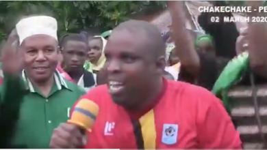 Photo of Mbunge wa jimbo la Wawi Pemba 'CUF' ajiuzulu na kujiunga na CCM akiwa na magwanda ya chama chake mbele ya Polepole – Video