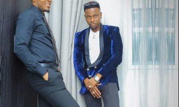 Photo of Baada ya DODO Alikiba amtambulisha Tommy Flavour kwa kuachia ngoma mpya aliyoshirikishwa 'OMUKWANO' – Video