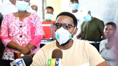 Photo of Corona: Hauwezi kukimbia kifo, baa, hotel na biashara zote zifunguliwe – RC Makonda