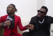 Photo of Shuhudia Mbosso wakitaniana na Producer wake Mocco kwa Kiingereza, Apiga Freestyle asema yeye sio kuimba tu – Video