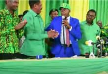 Photo of Aliyewahi kuwa Mbunge wa Arumeru Mashariki Nassari CHADEMA,  amejiunga CCM rasmi amshukuru Rais Magufuli  (+Video)