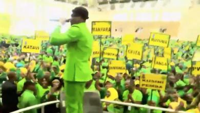 Photo of Hivi ndivyo Diamond Platnumz alivyopiga show yake mbele ya Rais Magufuli, Alikiba na wasanii wengine  (+Video)