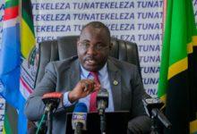 Photo of Msemaji mkuu wa Serikali :Mapato ya Serikali yameongezeka kutoka TZS Bilioni 850 mwaka 2015 hadi tr 1.9 mwaka 2020 (+Video)