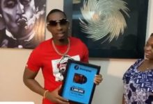 Photo of Jux awa msanii wa kwanza kupata tuzo baada ya albamu ya 'The Love' kufikisha streams 1,000,000 (Video)