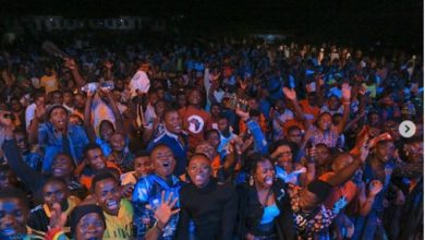 Photo of Alikiba aweka historia Kigoma, afanya show ya kiana yake (+Video)