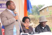 Photo of RC Chalamila awasweka ndani watu 6 kwa kughushi sahihi za watu waliofariki  (+Video)