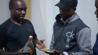 Photo of DC Kenani wa Arusha amkamata polisi mwizi wa umeme, akutwa na bangi na madumu ya gongo (Video)