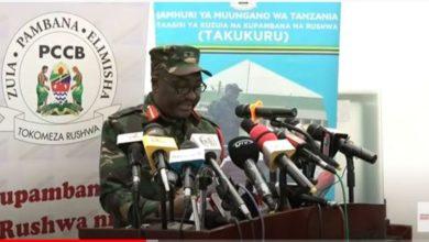Photo of TAKUKURU yawabamba watumishi 23 wa MOI waliokuwa wanataka kuipiga tsh 1.2 Bilioni (Video)