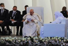 Photo of Papa Francis aongoza Misa Baghdad, Iraq